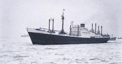 Schiff im Eis